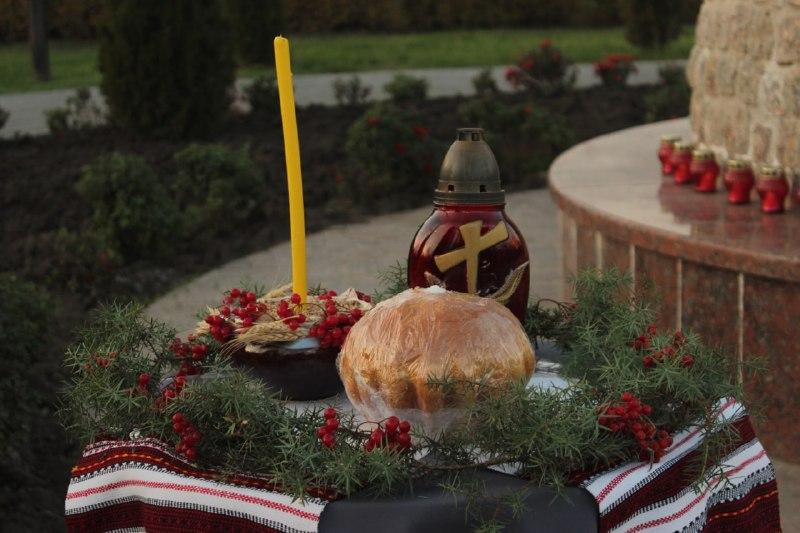 Кропивничани згадали жертв Голодоморiв в Українi (ФОТО)