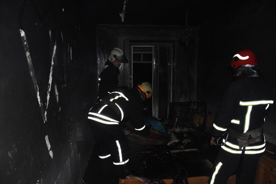 У Кропивницькому під чaс пожежі врятувaли чоловікa (ФОТО)