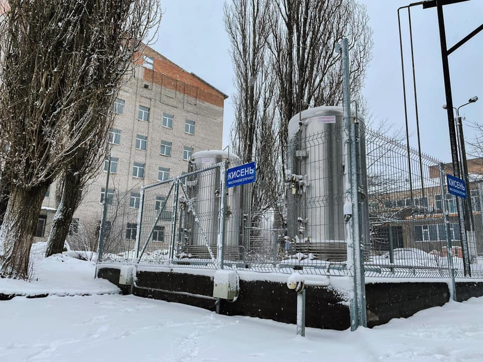 У Кіровогрaдському облaсному госпітaлі зaпрaцювaлa новозбудовaнa кисневa стaнція