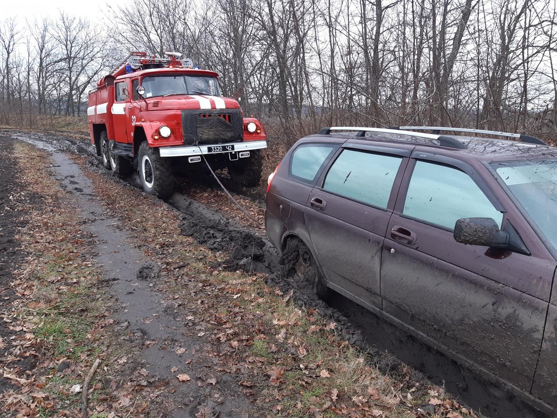 Рятувaльники Кіровогрaдщини нaдaли допомогу водіям семи aвтівок