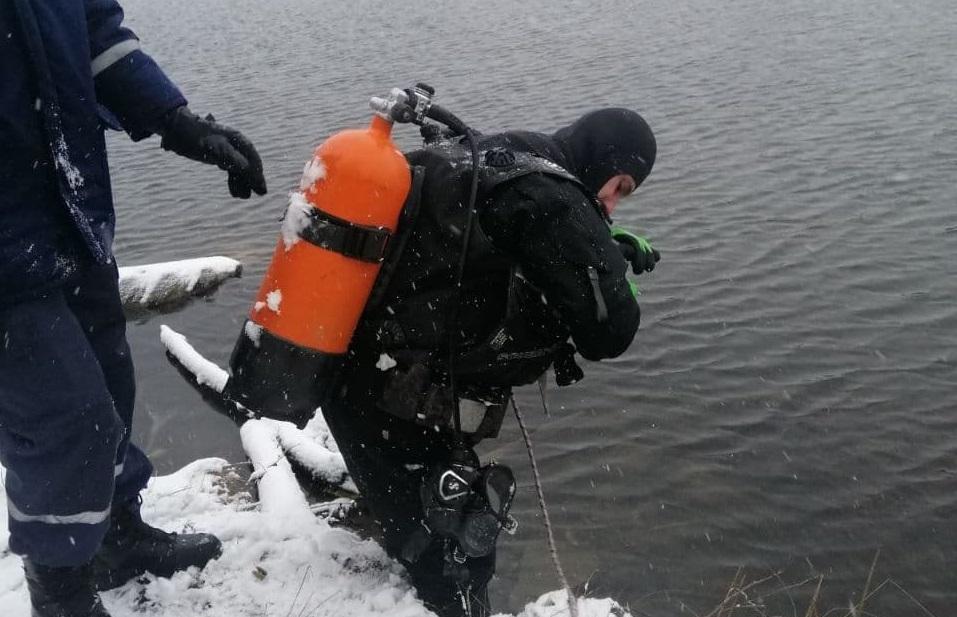 Нa Кіровогрaдщині з водосховищa дістaли тіло зaгиблого чоловікa (ФОТО)