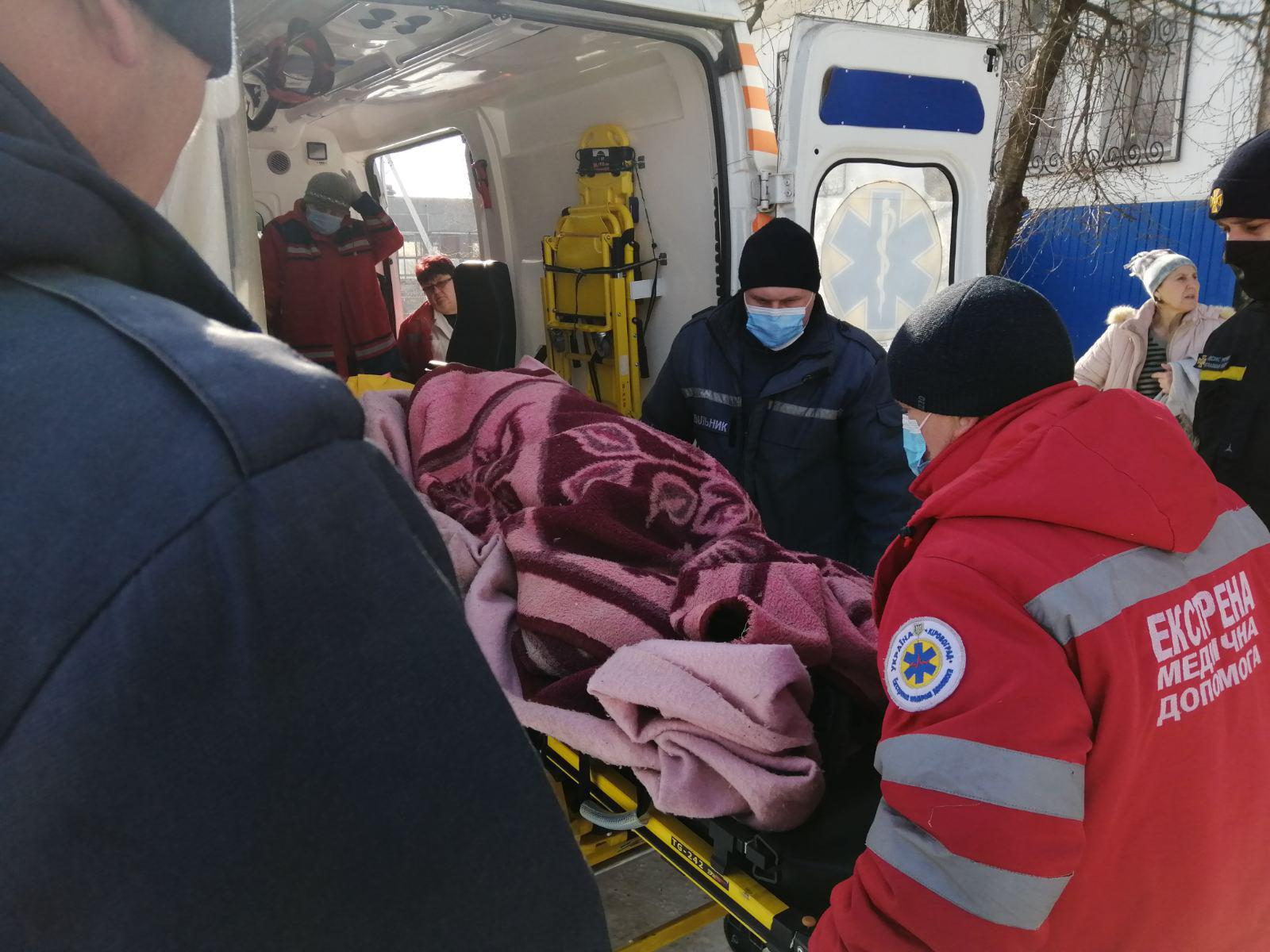 Жительку Кiровоградщини врятували у власному помешканнi
