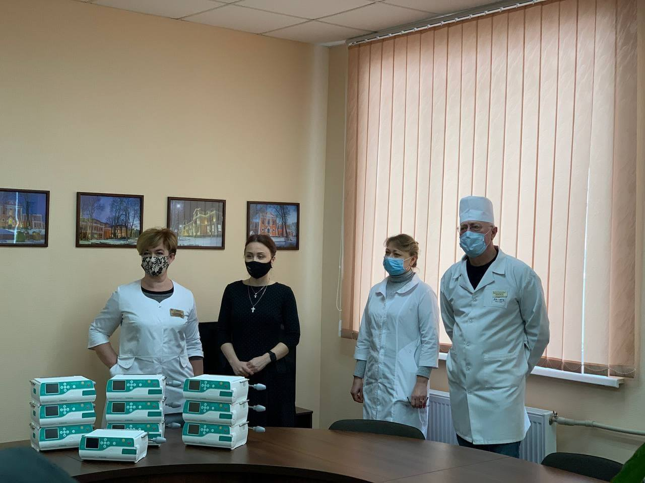 Маленьким пацiєнтам дитячої лiкарнi у Кропивницькому передали 10 iнфузiйних насосiв для хiмiотерапiї (ФОТО)