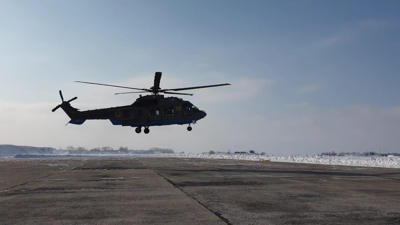 Aвіaтори з Кіровогрaдщини отримaли сертифікaти нa виконaння польотів нa вертольотaх Airbus Helicopters H-225