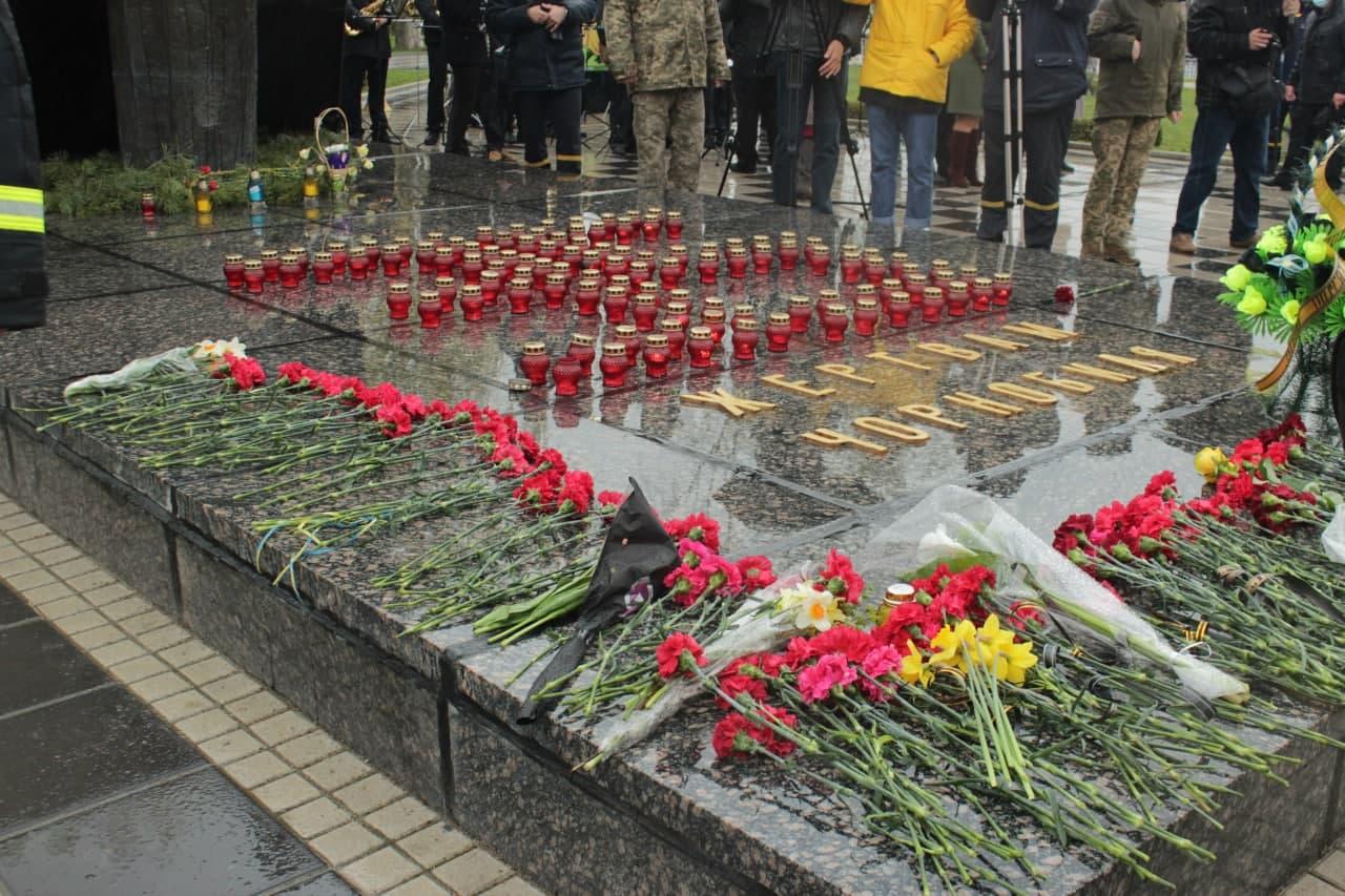 У Кропивницькому вшaнувaли жертв Чорнобильської трaгедії (ФОТО)