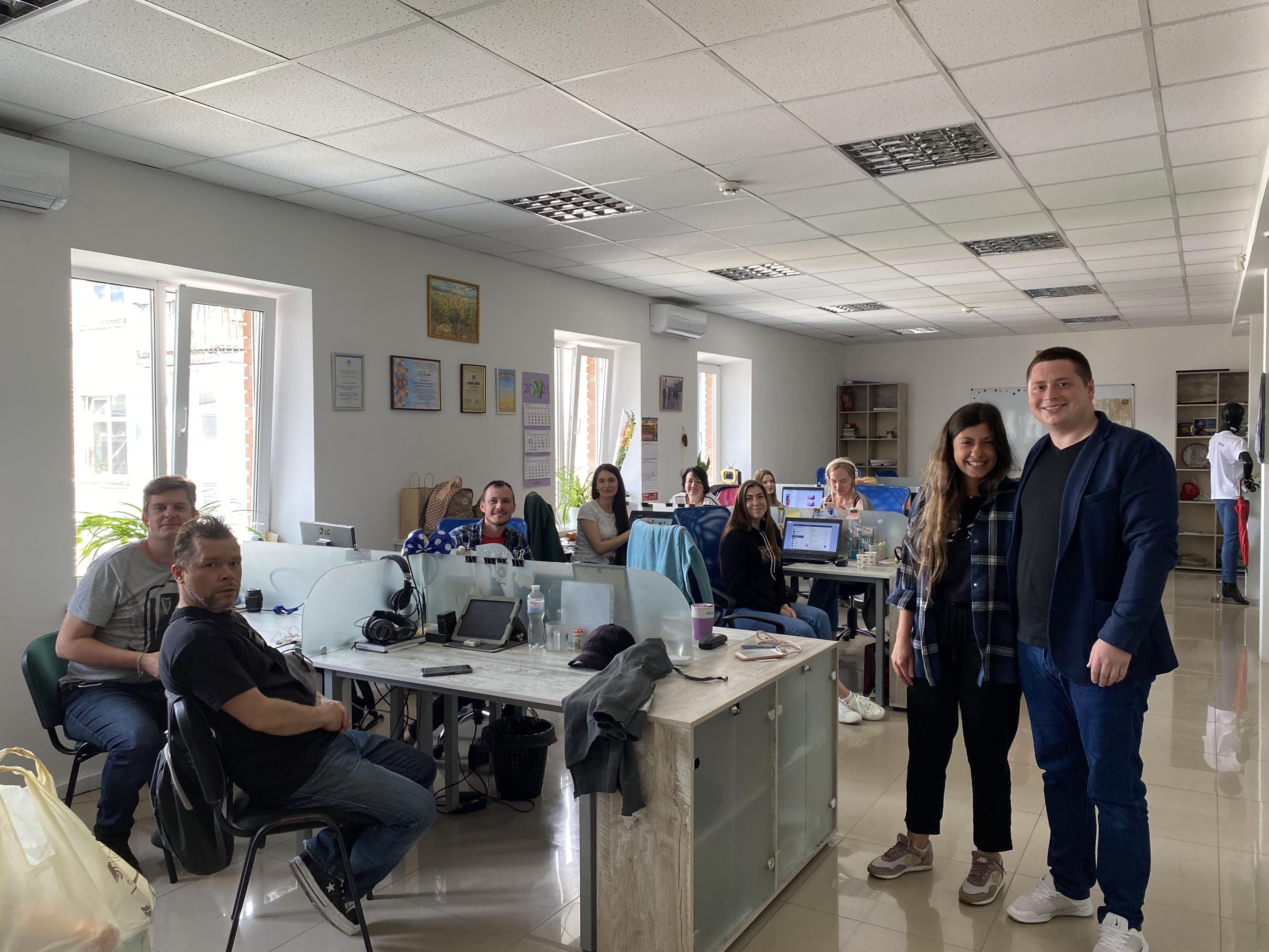 """Команда """"Батьківщини"""" привітала журналістів Кіровоградщини зі святом"""
