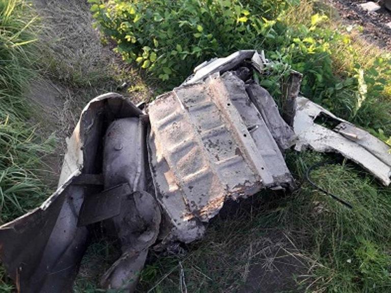 На Кіровоградщині на переїзді пасажирський потяг зіткнувся з легковиком