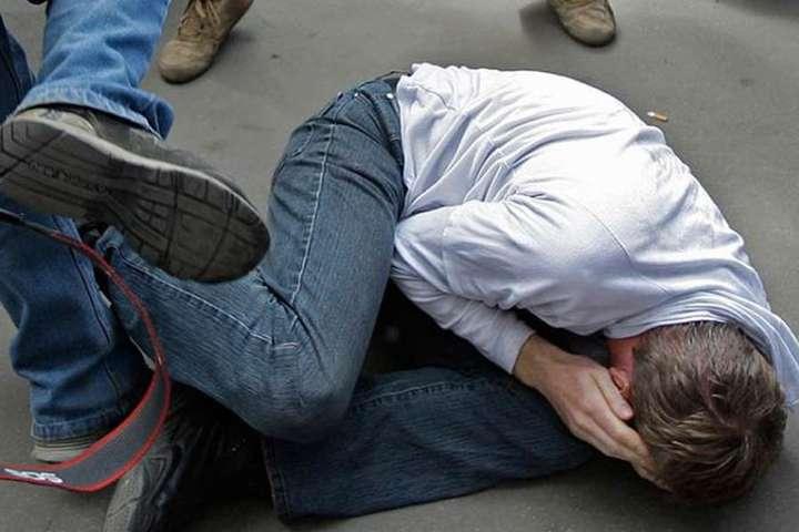 Житель Кіровоградщини побив товариша і залишив помирати на дорозі