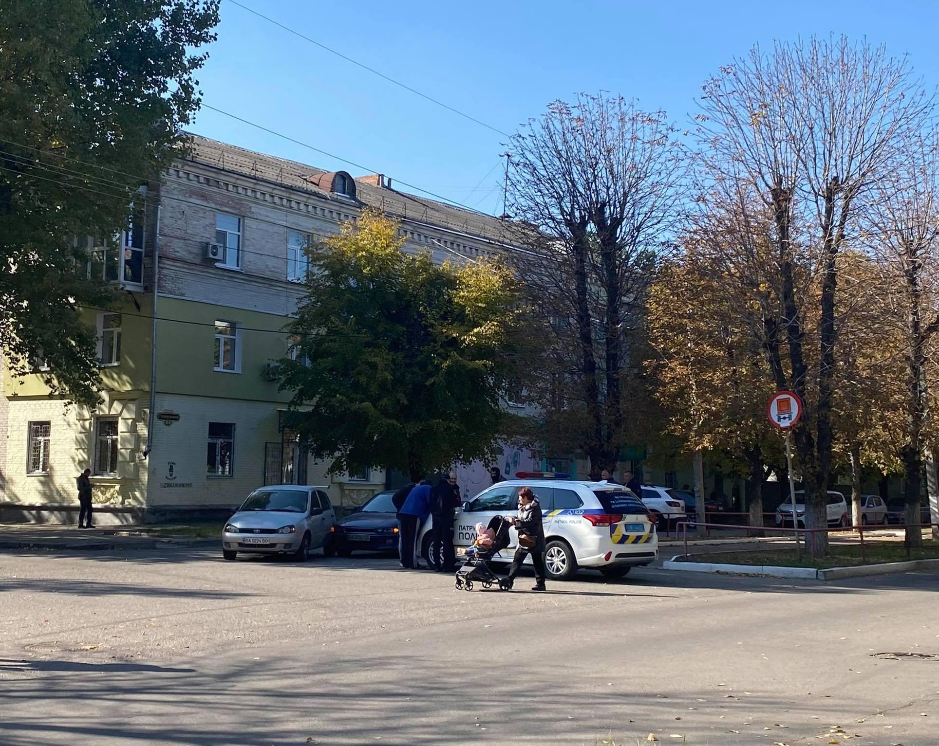 У Кропивницькому зіткнулися ВАЗ та Mitsubishi